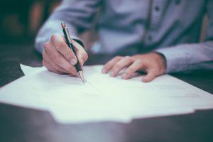 Právní servis při prodeji a koupi nemovitosti